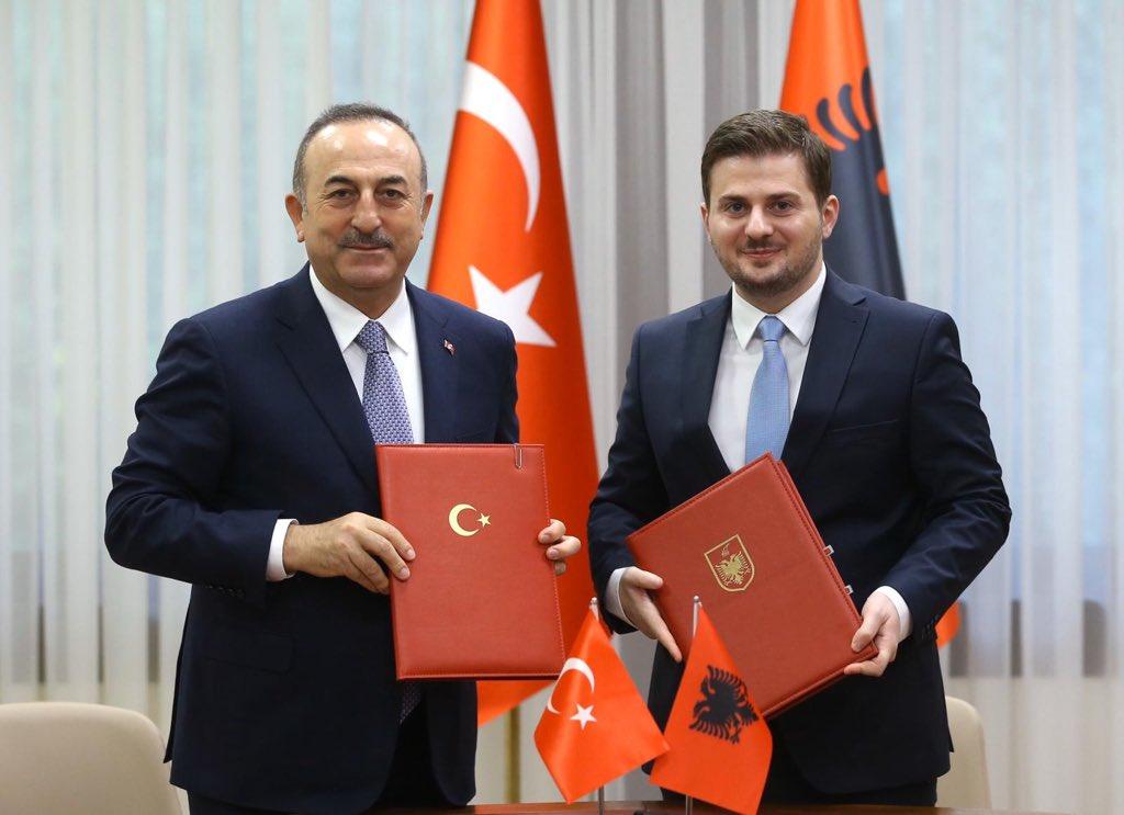 Αλβανία: Τα Τίρανα επισκέφθηκε ο Cavusoglu, συναντήθηκε με τον Cakaj