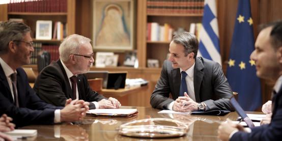 Ελλάδα: Συνάντηση Μητσοτάκη με τον Πρόεδρο της ΕΤΕπ Werner Hoyer