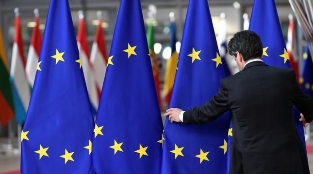 ΕΕ: Ενίσχυση Ελλάδας για το μεταναστευτικό και Αλβανίας για τον σεισμό στον τροποποιημένο προϋπολογισμό