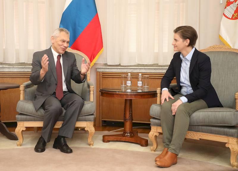 Σερβία: Συνάντηση της Πρωθυπουργού Brnabic με τον Ρώσο Πρέσβη