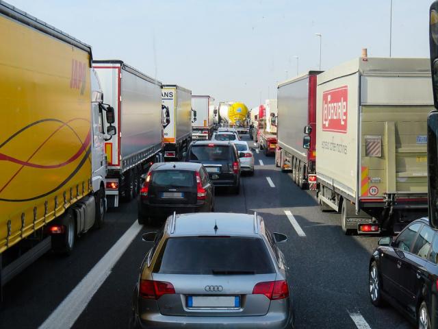 Βουλγαρία: Σημαντικές καθυστερήσεις στα σημεία διέλευσης των συνόρων με Τουρκία και Ρουμανία