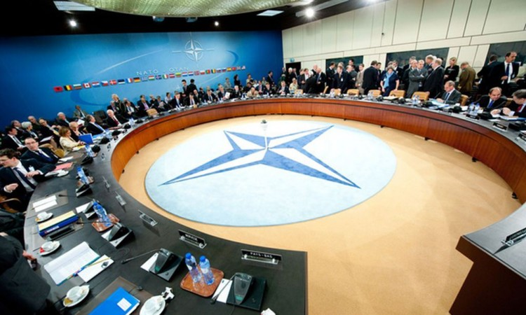 Β-Ε: Επίσκεψη αντιπροσωπείας στο αρχηγείο του ΝΑΤΟ στις Βρυξέλλες