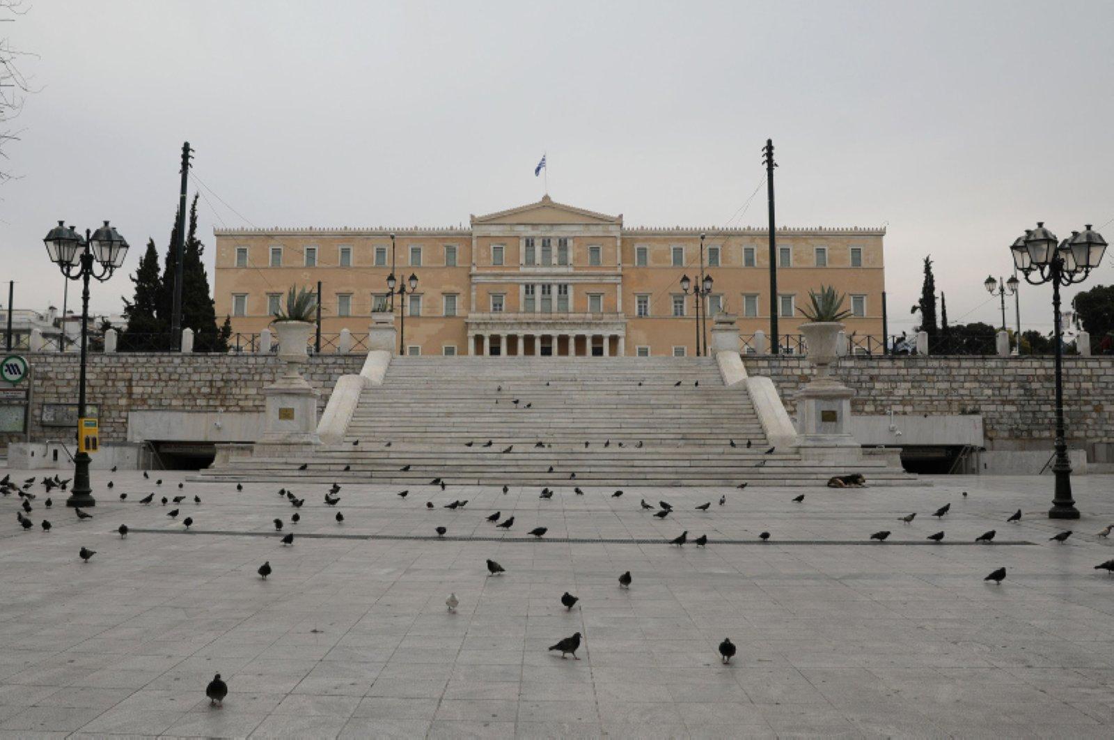Ο Πρωθυπουργός ανακοίνωσε την πλήρη απαγόρευση κυκλοφορίας στην Ελλάδα