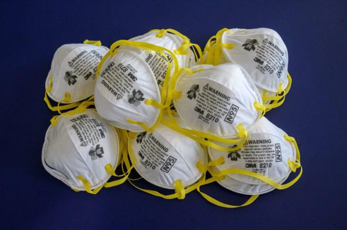 Ρουμανία: Προχωρά η παραγωγή εξοπλισμού και υλικών για την καταπολέμηση της εξάπλωσης του κορωνοϊού