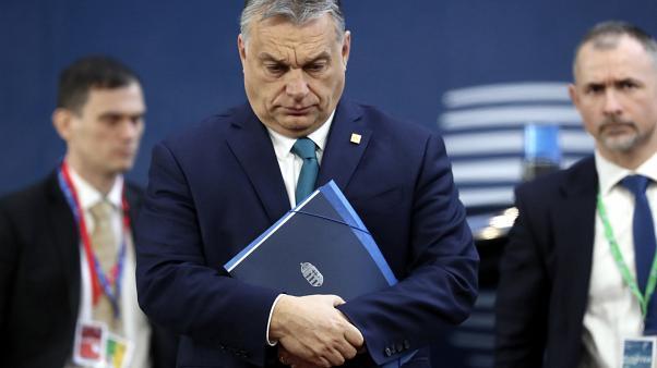 ΕΕ: Αποβολή του κόμματος Fidesz του Orban ζητούν Μητσοτάκης και 12 ηγέτες της Ευρωπαϊκής Κεντροδεξιάς