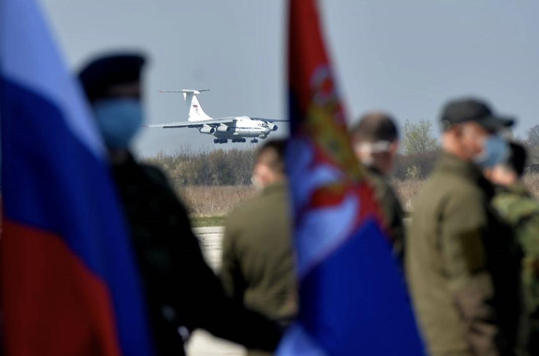 Σερβία: Έφτασε Ρωσική βοήθεια για την αντιμετώπιση του COVID-19