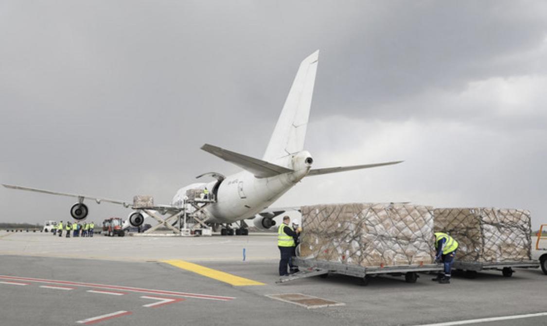Σερβία: Έφτασε πρόσθετη βοήθεια από την ΕΕ