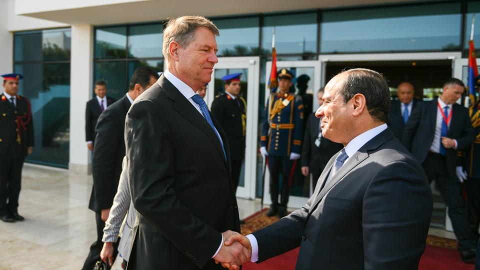 Ρουμανία: Επικοινωνία Iohannis – Sisi