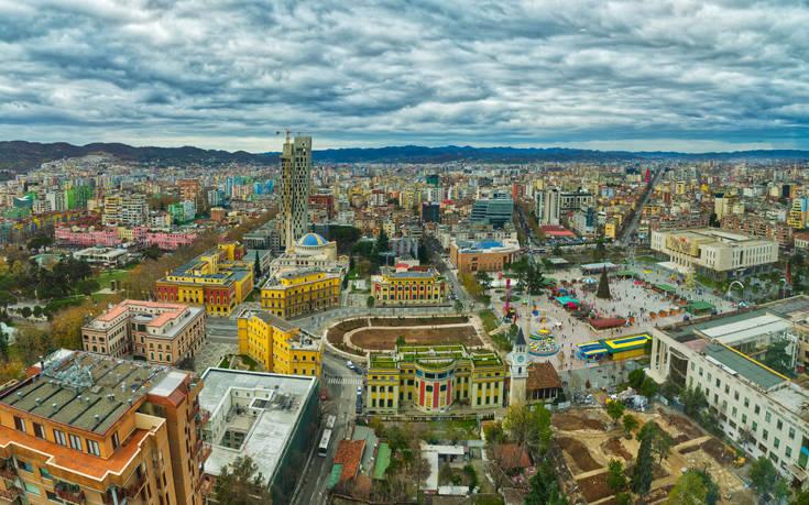 Αλβανία: Κομμωτήρια, μπαρ και οδοντιατρεία θα είναι τα τελευταία που θα ανοίξουν σύμφωνα με τον Rama