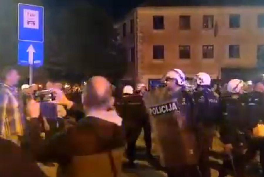 Μαυροβούνιο: Ένταση τη νύχτα στους δρόμους, με πολλούς να τραυματίζονται στις διαδηλώσεις