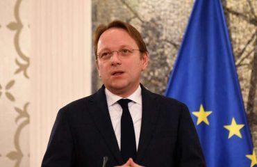Varhelyi: Είναι σημαντικό να πραγματοποιηθούν φέτος οι διακυβερνητικές διασκέψεις με Αλβανία και Βόρεια Μακεδονία