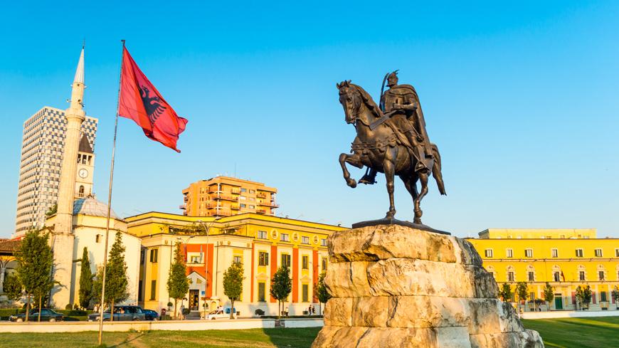Αλβανία: Ενέκρινε το Κοινοβούλιο τη στρατιωτική συμφωνία με την Τουρκία