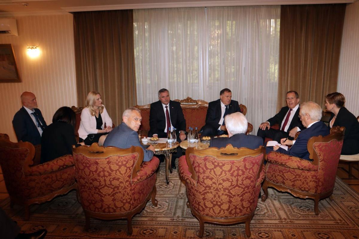 Β-Ε: Συνάντηση της αντιπροσωπείας της Δημοκρατίας Σρπσκα με το Ρώσο Υπουργό Εξωτερικών Lavrov στο Βελιγράδι