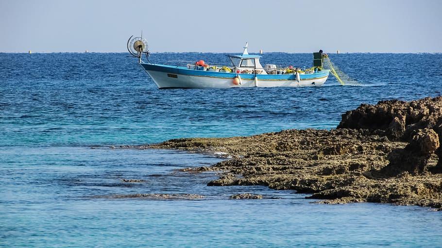 Κύπρος: Την παράνομη κι άναρχη αλιεία από την Τουρκία έθεσε στη ΕΕ ο Καδής