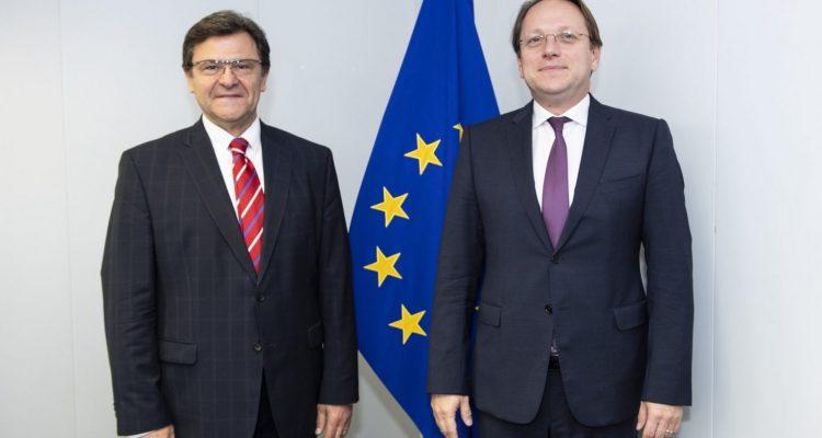 Αλβανία: Συνάντηση Mazi-Varhelyi για την πρώτη διακυβερνητική διάσκεψη
