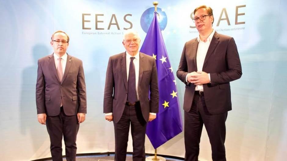 ΕΕ: Θα συνεχιστούν οι συνομιλίες Βελιγραδίου Πρίστινα την Τετάρτη, σύμφωνα με πληροφορίες