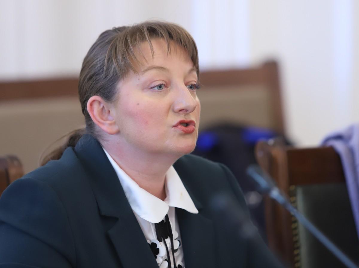 Βουλγαρία: Πρόωρες εκλογές μπορούν να διεξαχθούν το νωρίτερο τον Δεκέμβριο, δήλωσε η Sacheva