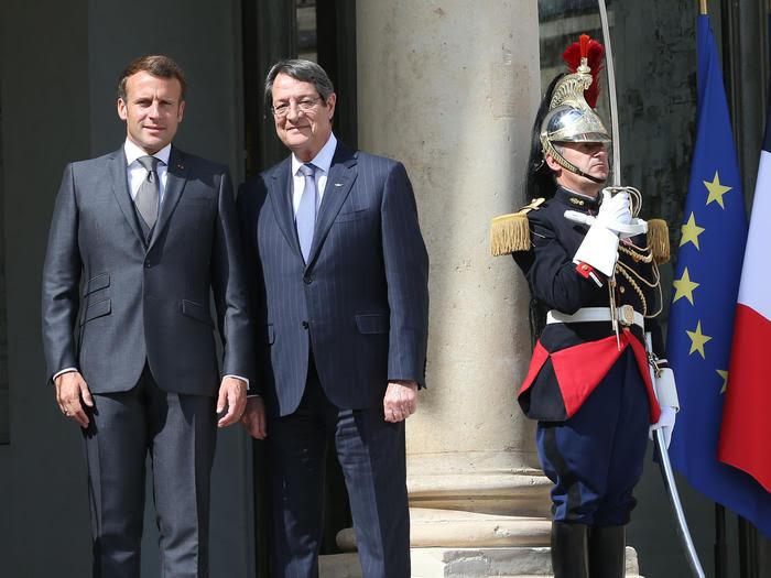 Την αλληλεγγύη της Γαλλίας προς Κύπρο και Ελλάδα εξέφρασε ο Μακρόν από το Παρίσι