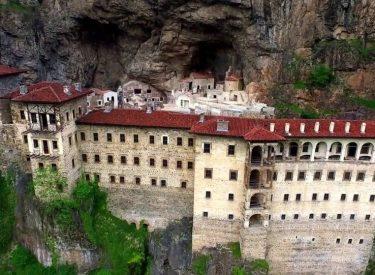 Τουρκία: Ανοίγει ξανά η Μονή Παναγίας Σουμελά μετά από 5ετή αποκατάσταση