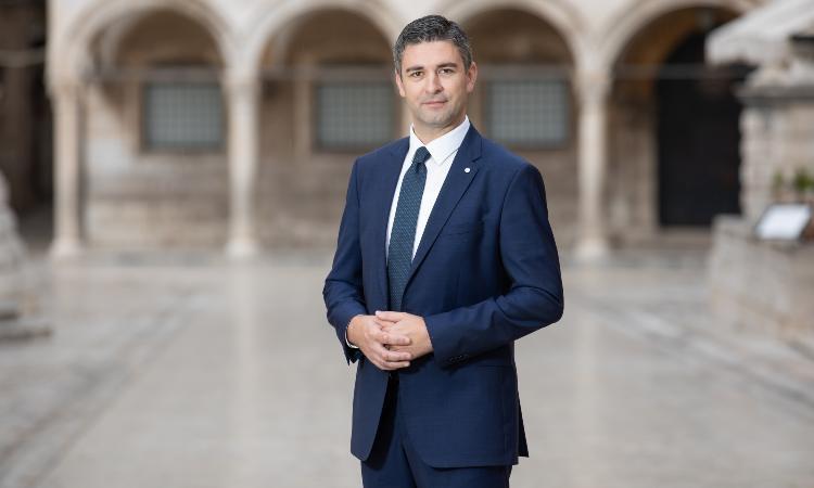 Κροατία: Ο δήμαρχος του Ντουμπρόβνικ στέλνει επιστολή στον πρωθυπουργό του Ηνωμένου Βασιλείου Μπόρις Τζόνσον