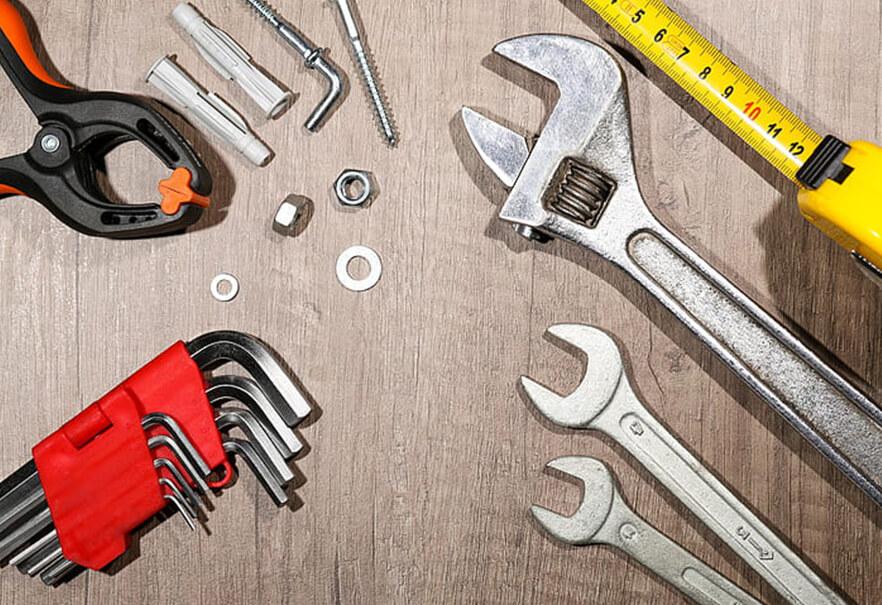 Ποια εργαλεία πρέπει να έχω στο σπίτι για να φροντίζω μόνος μου τα υδραυλικά και τις αποχετεύσεις
