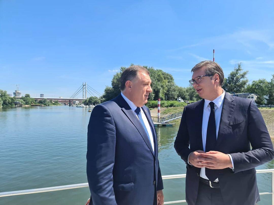 B-E: Δεν υποστήριξε την πρόταση Dodik για το καθεστώς του Κοσσυφοπεδίου και της Δημοκρατίας Σρπσκα ο Vučić