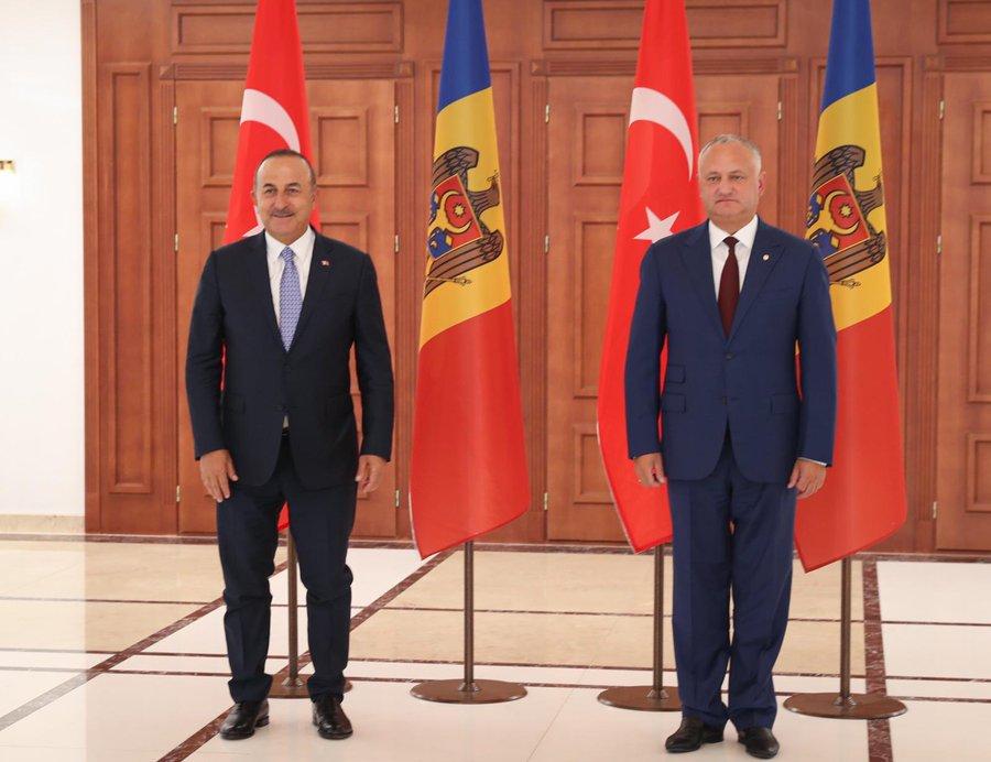 Τουρκία: Με την πολιτική και πολιτειακή ηγεσία της Μολδαβίας συναντήθηκε ο Cavusoglu