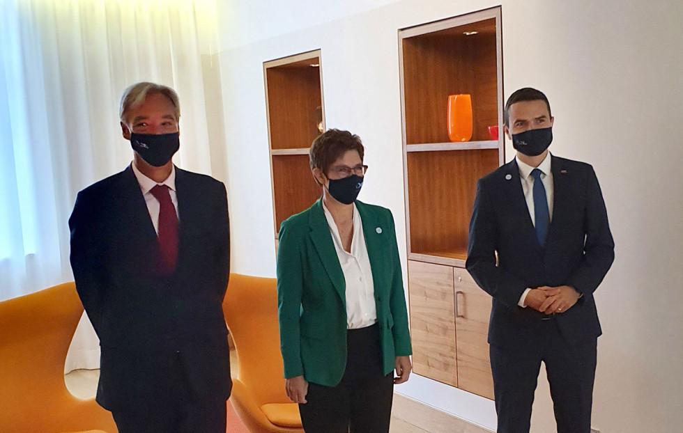 Σλοβενία: Στενότερη συνεργασία του ΥΠΑΜ με το Γερμανικό Υπουργείο