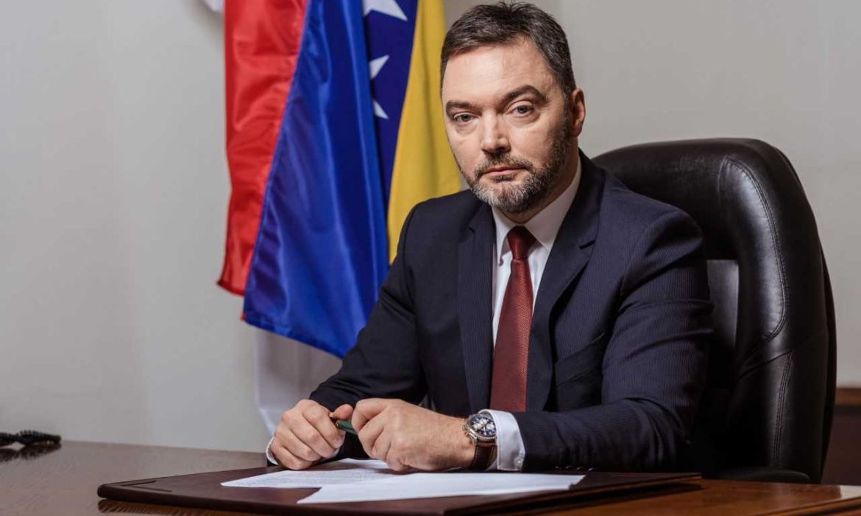 Β-Ε: Την άμεση απεμπλοκή του διορισμού ομάδας εμπειρογνωμόνων ζητά ο Košarac