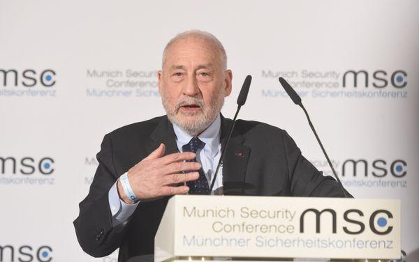 """Η Κροατία πρέπει να πει """"ΟΧΙ!"""" στο ευρώ, λέει ο Νoμπελίστας Joseph Stiglitz"""