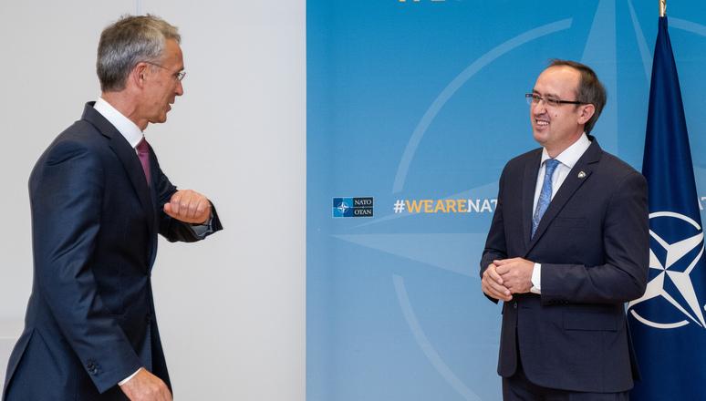 Κοσσυφοπέδιο: Ο Stoltenberg συζήτησε για την περιφερειακή ασφάλεια με τον Hoti