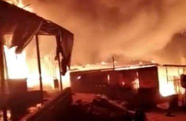 Ελλάδα: Κάηκε σχεδόν ολοκληρωτικά ο καταυλισμός της Μόριας
