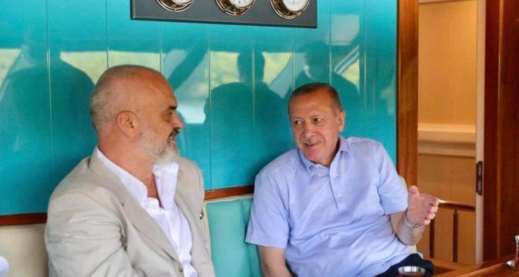 Αλβανία: Τις διμερείς σχέσεις και την αντιμετώπιση του COVID-19 συζήτησαν Rama-Erdogan στην Μαρμαρίδα