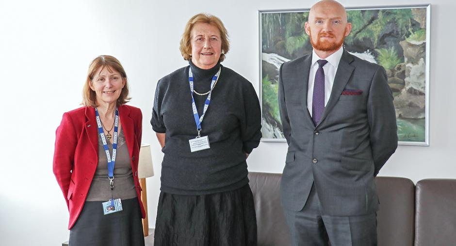 Β-Ε: Η αποστολή του ΟΑΣΕ παρουσίασε την έκθεση της Joanna Korner σχετικά με την επεξεργασία των εγκλημάτων πολέμου