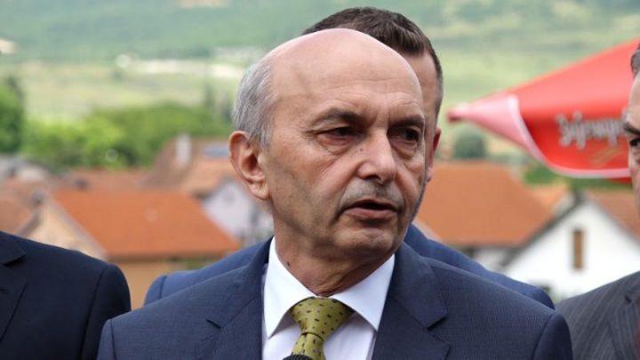 Κοσσυφοπέδιο: Δεν πιέζει ούτε εκβιάζει τον κυβερνητικό συνασπισμό το ΑΑΚ για τη θέση του Προέδρου