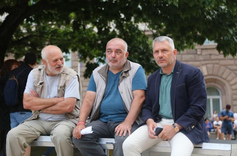 """Βουλγαρία: Επιστολή στους Ευρωβουλευτές για την διαφθορά της κυβέρνησης απέστειλε οι """"Poison Trio"""""""