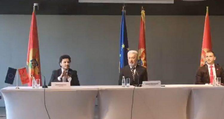 Μαυροβούνιο: Ο Αμπάζοβιτς αλλάζει τη στάση σχετικά με τον αμφισβητούμενο νόμο