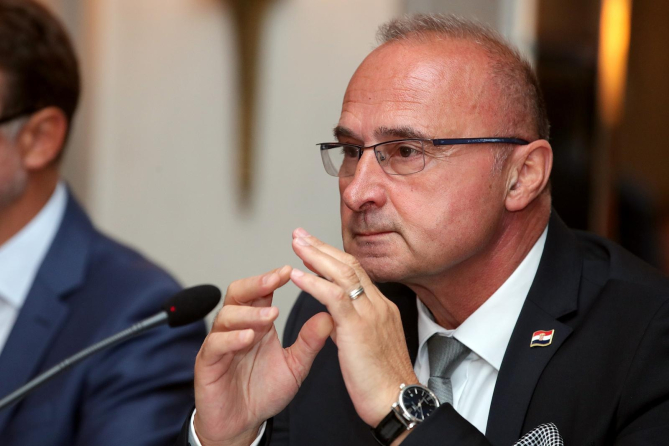 Grlić Radman: H παράδοση της οικίας του Jelačić βήμα προόδου για τις σχέσεις Ζάγκρεμπ-Βελιγραδίου