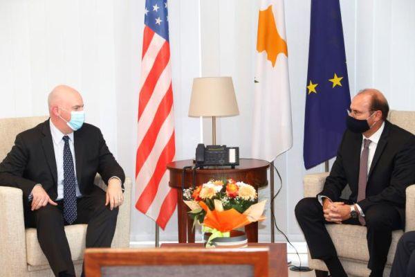 Κύπρος: Ενίσχυση των σχέσεων με τις ΗΠΑ σε ασφάλεια και άμυνα συζήτησαν Πετρίδης και Cooper