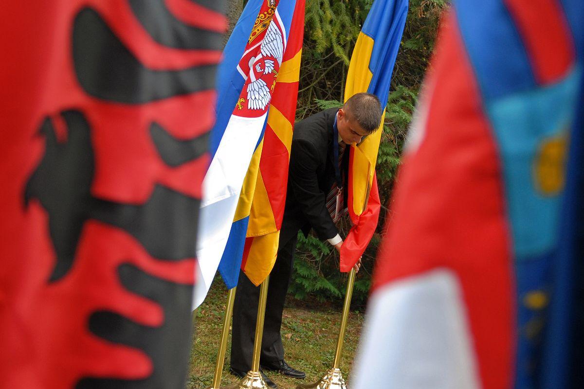 Δημιουργία μηχανισμού για την ταχεία πρόσβαση στα εμβόλια από την ΕΕ, με ιδιαίτερη προσοχή στα Δυτικά Βαλκάνια
