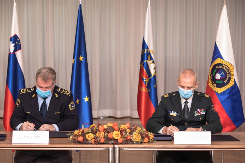 Σλοβενία: Ο στρατός και η αστυνομία μπορούν να προστατεύσουν τα κρατικά σύνορα πιο αποτελεσματικά σε συνεργασία