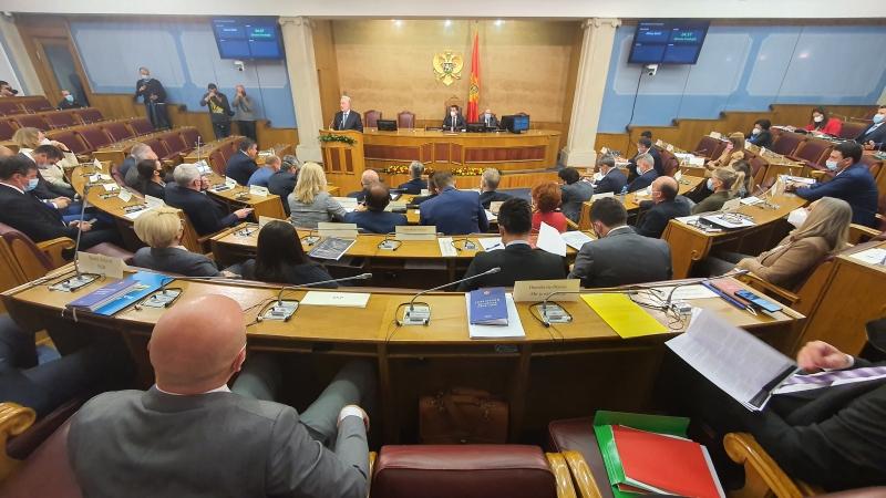 Μαυροβούνιο: Παρουσίασε το πρόγραμμα και τη σύνθεση της Κυβέρνησης στους βουλευτές ο Krivokapić