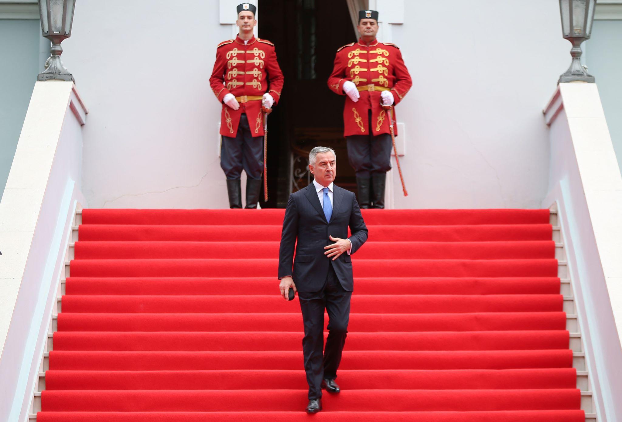 Μαυροβούνιο: «Κανείς δεν κυβερνά επί του Μαυροβουνίου», δήλωσε ο Πρόεδρος Đukanović