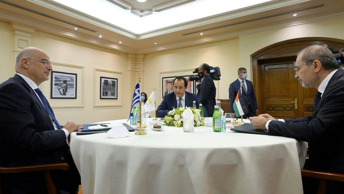 Ελλάδα: Η διεύρυνση της συνεργασίας Ελλάδας-Κύπρου-Ιορδανίας συζητήθηκε στο Αμαν