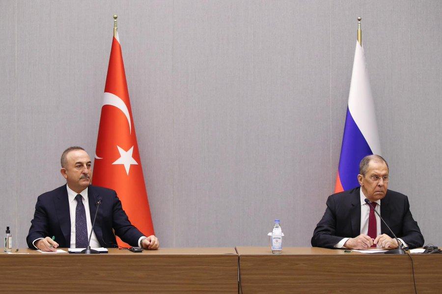 Τουρκία: Cavusoglu και Lavrov συναντήθηκαν στο Sochi