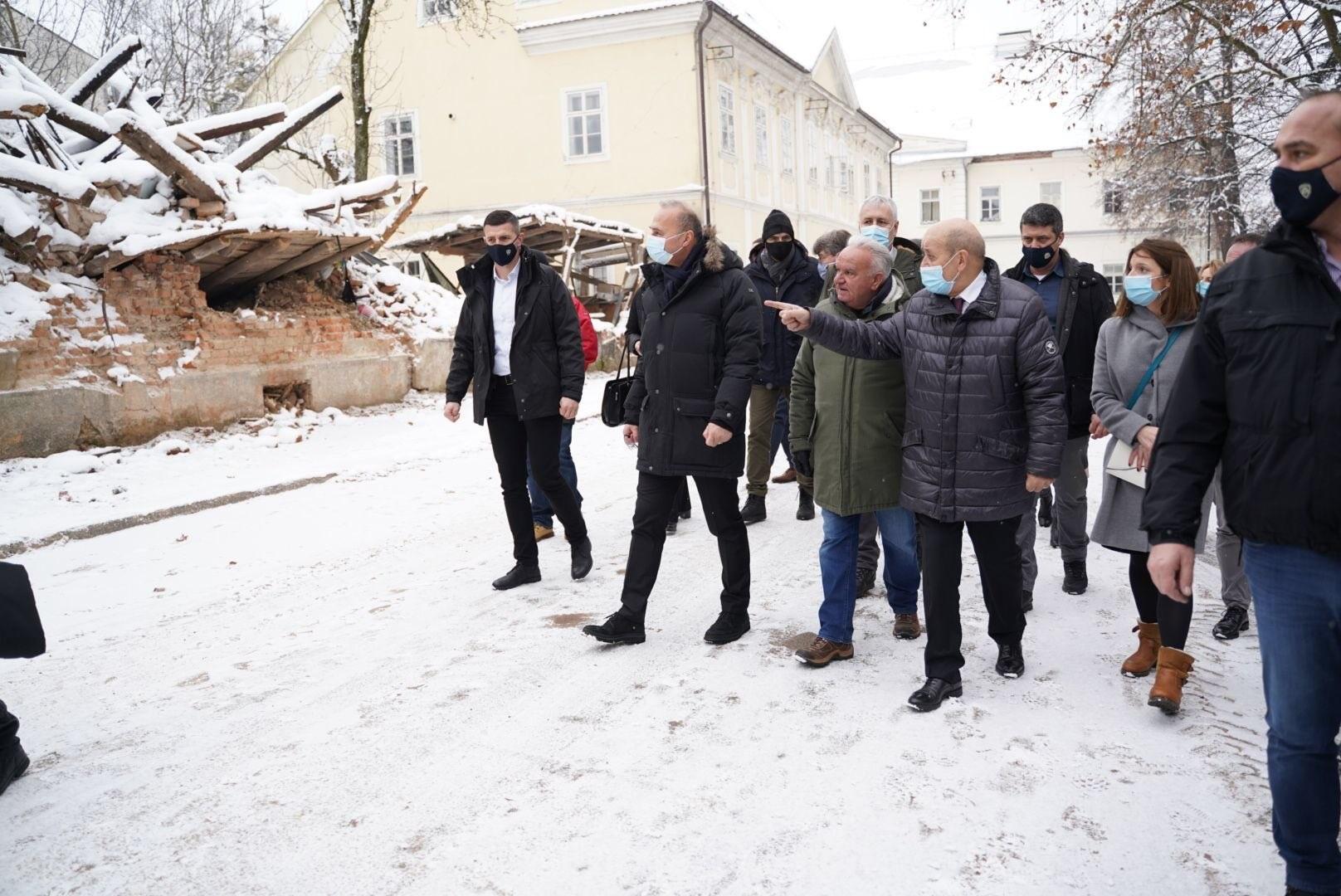 Κροατία: Επίσκεψη του Γάλλου ΥΠΕΞ στη σεισμόπληκτη Petrinja