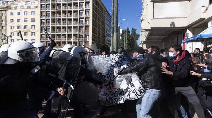 Ελλάδα: Εκ νέου απόφαση απαγόρευσης συναθροίσεων άνω των 100 ατόμων