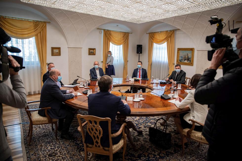 Σλοβενία: Συνάντηση Pahor με τους ηγέτες των κομμάτων