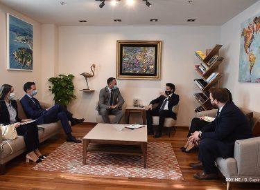 Το Μαυροβούνιο θα αποτελέσει μαγνήτη για τους επενδυτές, ισχυρίζεται ο Abazović