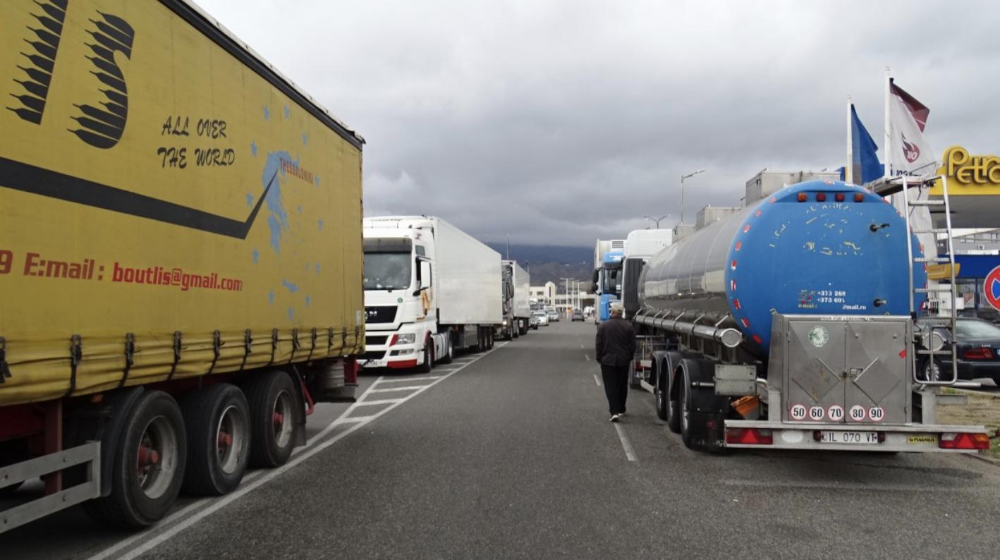 Βουλγαρία: Με παρέμβαση του ΥΠΕΞ ανεστάλησαν τα rapid test σε όλους του οδηγούς φορτηγών στα ελληνοβουλγαρικά σύνορα